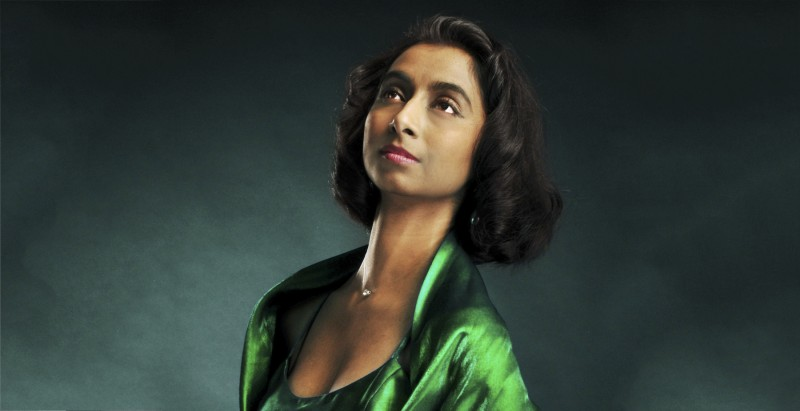opera singer portrait on green